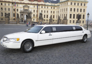 Prague Airport transfer - Lincoln limo
